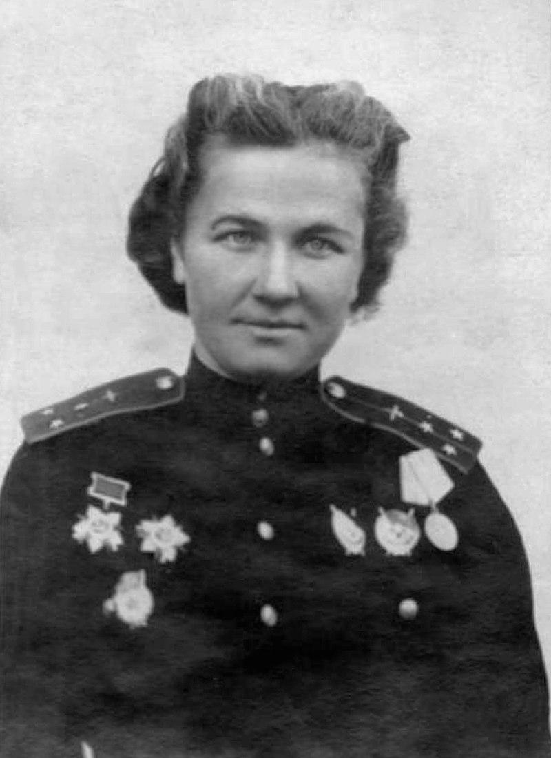 В честь 100-летия знаменитой орловчанки летчицы Надежды Поповой вышла уникальная марка
